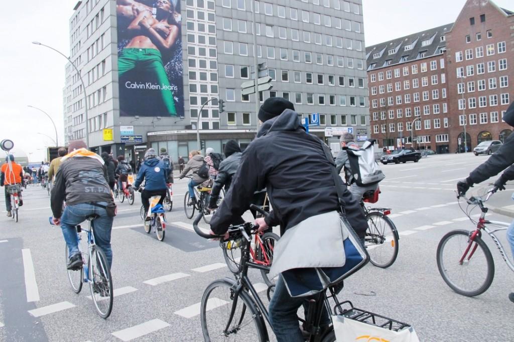 Bikeflash vorm Bezirksamt Mitte